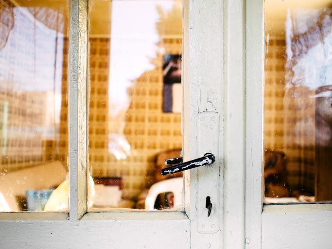 staré sklenené dvere